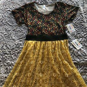 Stunning LuLaRoe Mustard Lola & Floral Classic T!